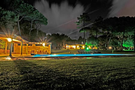 Villa with Luxury Garden in Sintra