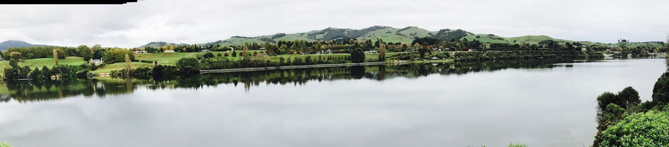 2 rooms, stunning views, Lake Karapiro, Cambridge