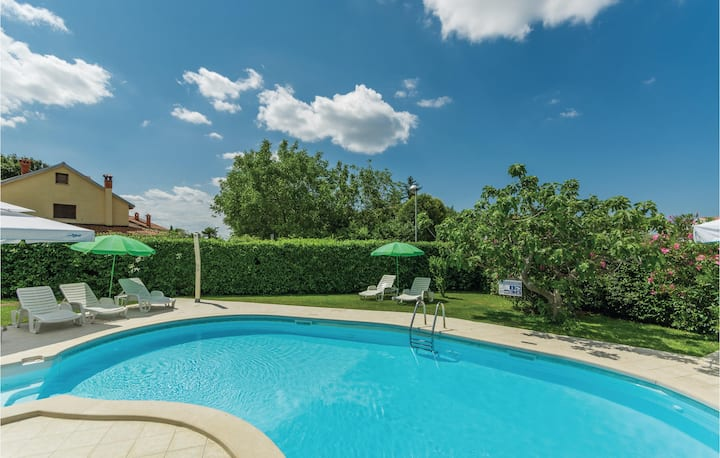 Stunning home in Porec with WiFi and 1 Bedrooms