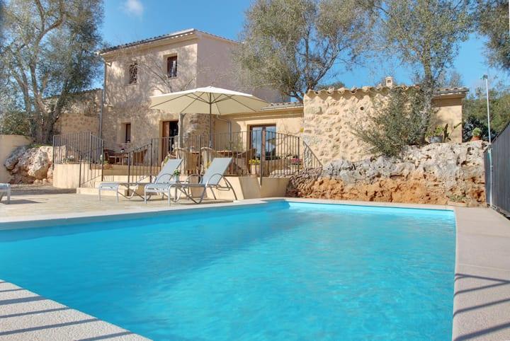 Finca Eriçal: Great finca with pool and garden