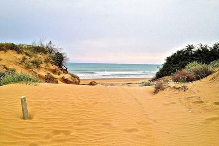 VILLA GRANELLI ON THE BEACH SYRACUS - Granelli
