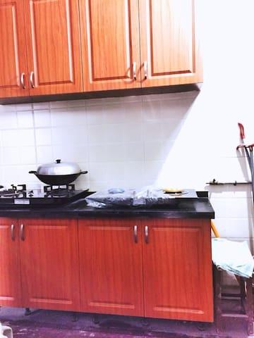 厨房(走廊里)