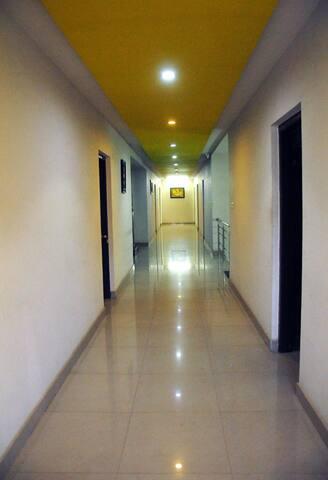 Clean rooms, Excellent Location - Virajpet - Virajpet - Lainnya