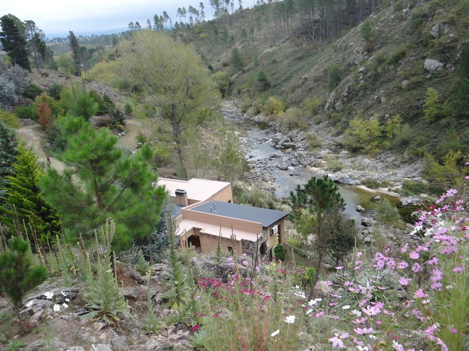 Increible vista del Cerro  Champaquí y Altas Cumbres.-
