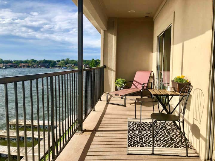 NEW LISTING!! Gorgeous Sunset Cove Condo