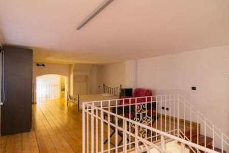 Bright and relaxing loft very close to Duomo - Milan