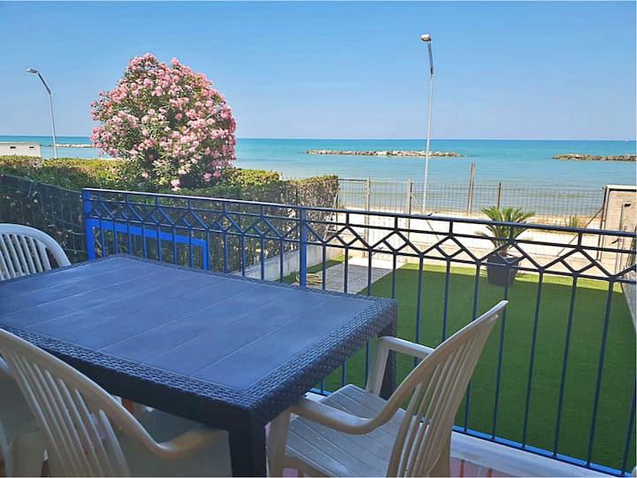 Appartamento con accesso diretto alla spiaggia