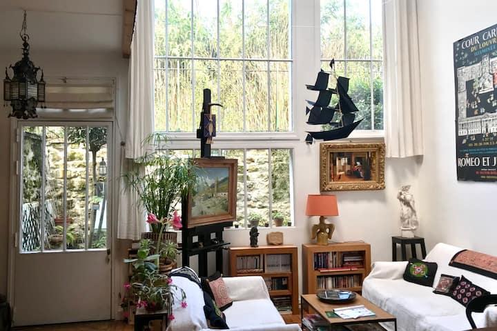 Maison-atelier d'artiste avec jardin, Paris centre