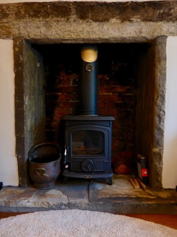 The Aga Wood burning stove is lovely in the winter months after a cold walk in the hills, logs and instructions (if needed) are provided.