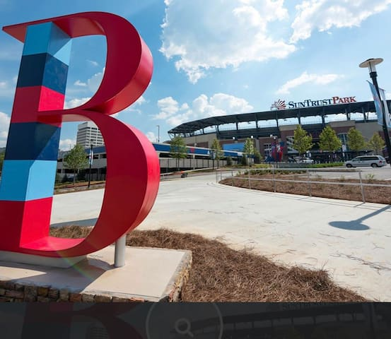 Free Parking Walk to Braves Games/Family  Events.