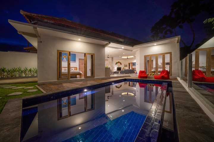 *VILLA VENDA*BRAND NEW*POOL*NEAR ECHO BEACH*