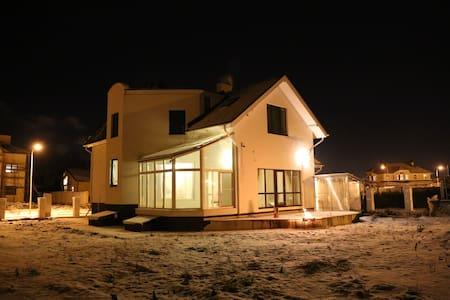 Отличный дом в 15 км от МКАД Юг - Moskwa - Dom
