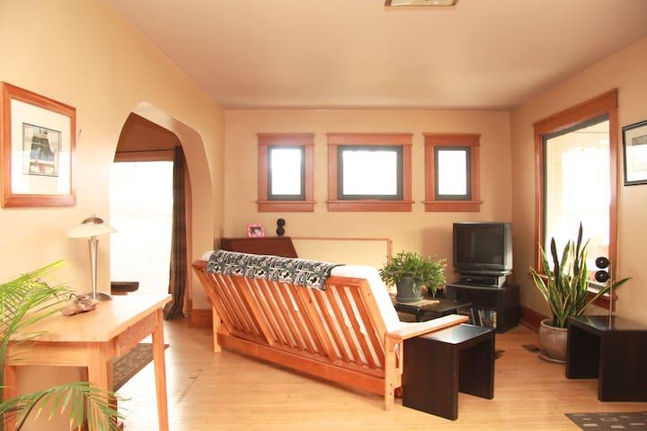 Open, light livingroom