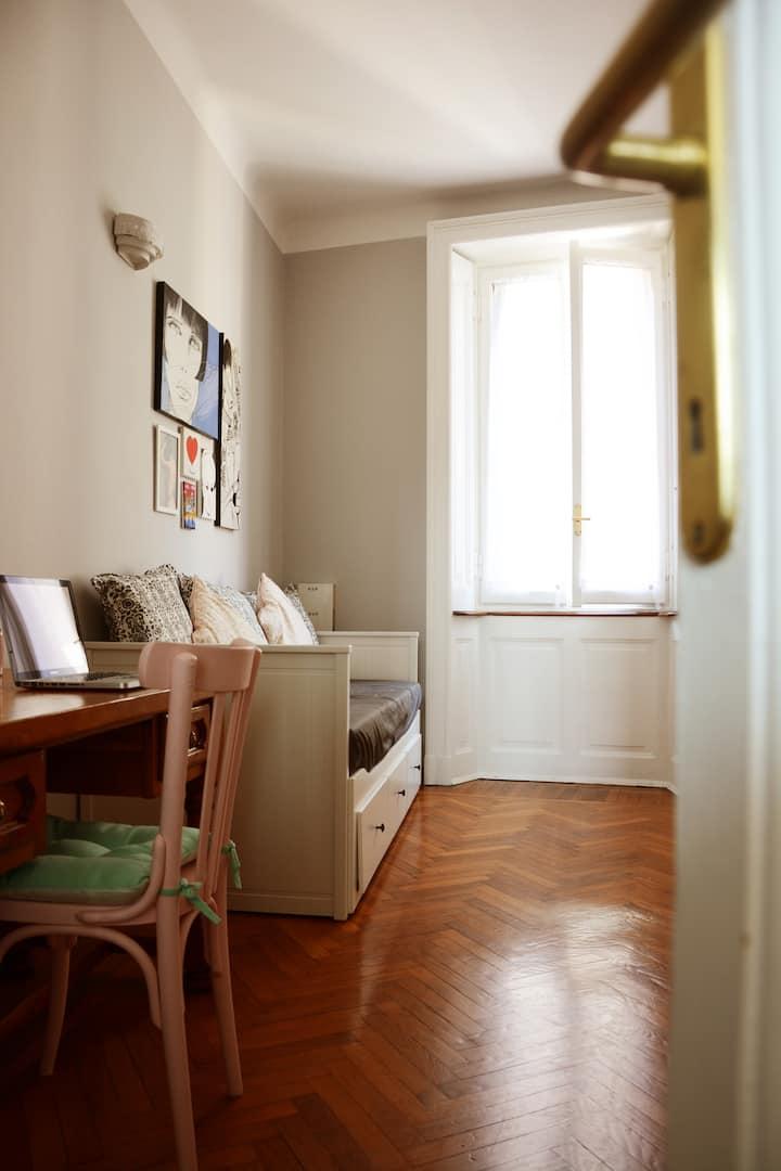 Cozy private room NoLo district (015146-CNI-01144)