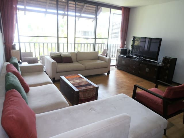 1 BR LARGE PENTHOUSE NEAR BEACH - Thalang - Apartment