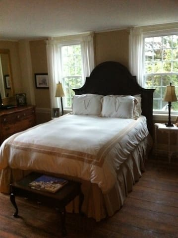 The Pottery Barn Room at Buttonwood - Sheffield - Hus