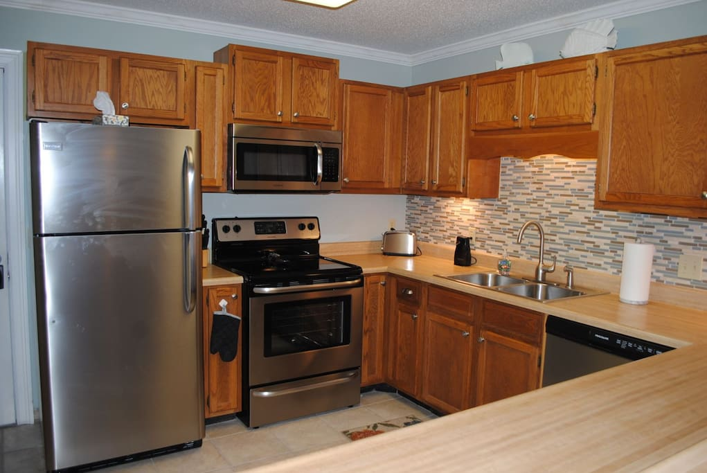 Fully Equipped Kitchen for your convenience and economy.