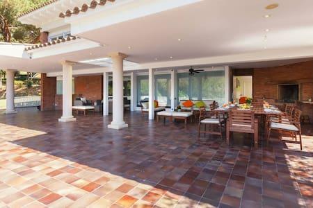 Casa para 13 personas en la playa - Sant Andreu de Llavaneres