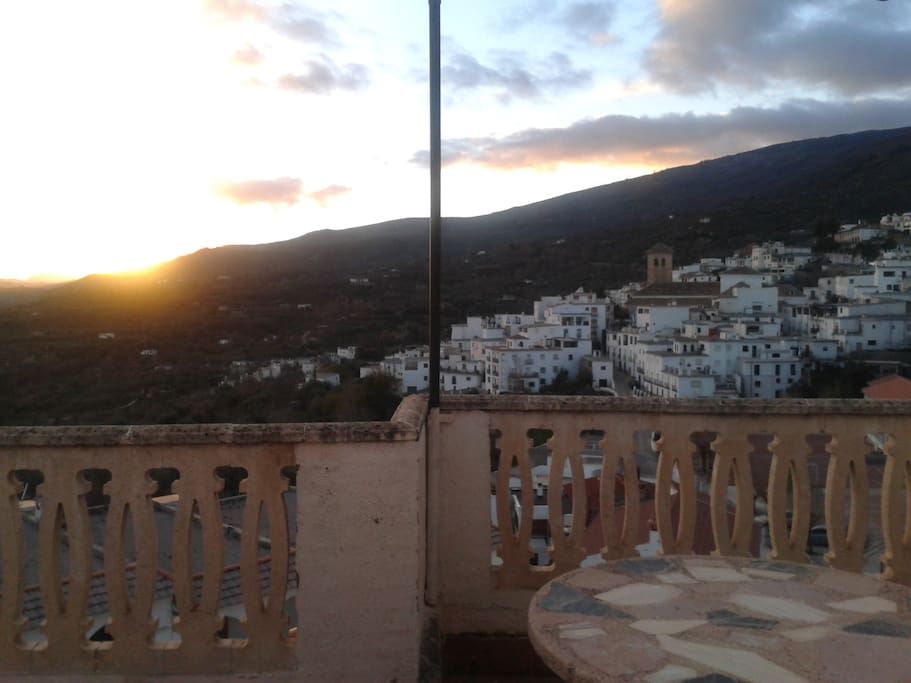 Cada rincón de Válor y de la alpujarra harán que quede prendado de este tesoro que tenemos en Granada.