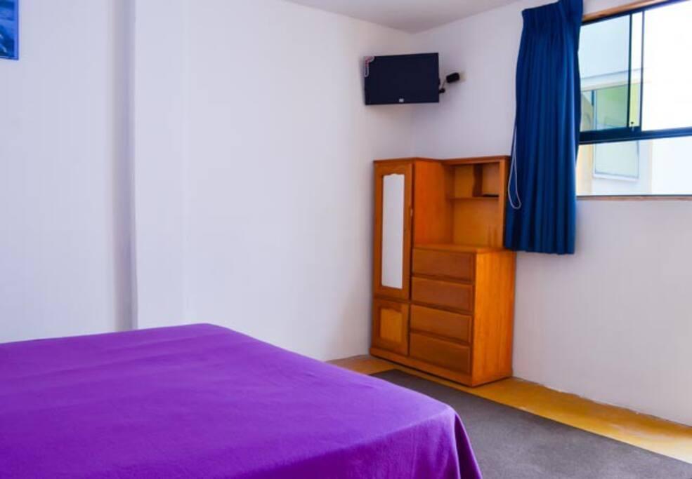 Cute bedroom / bathroom (ROOM 101)