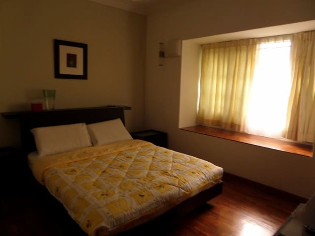 Cosy Double room in a Terrace House