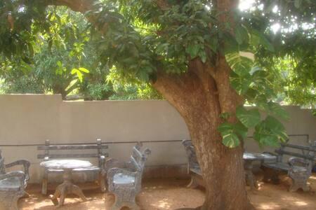 Kamal & Malar Guest Trincomalee - Trincomalee - Gjestehus