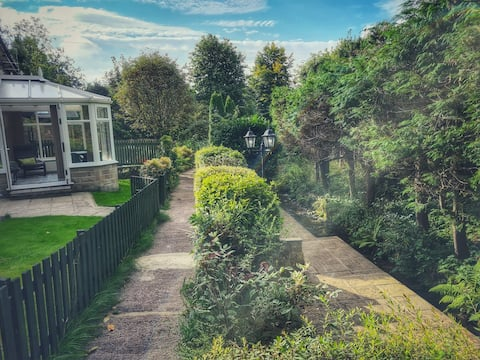 Relaxing two bedroom cottage set in idyllic gardens.