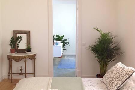 Suite at Casa Branca B&B - Estoril