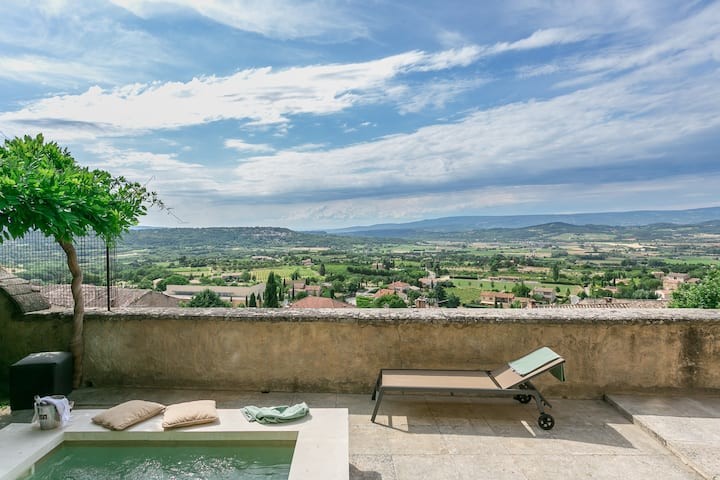 Bonnieux home, spectacular view, dipping pool