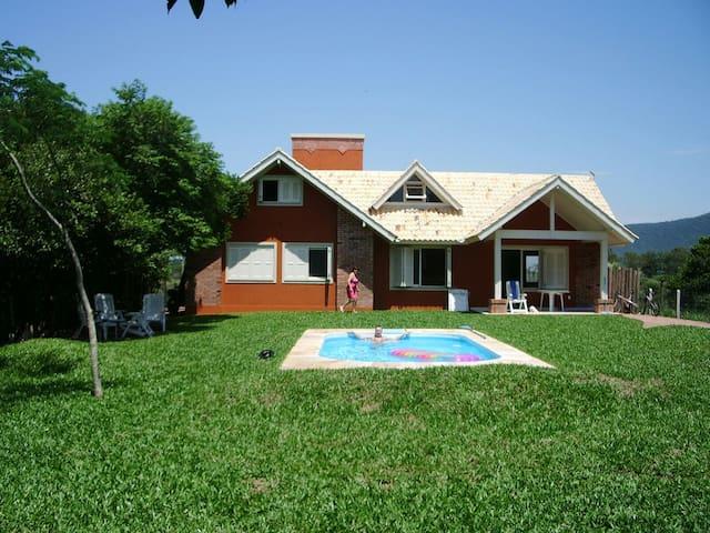 Casa condomin.fech., beira Lagoa, c/ Stand UP padl - Osório - Casa
