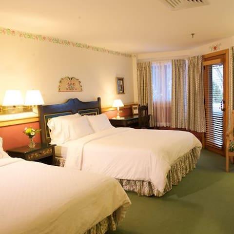 2 Bedroom/2 Bath for Christmas Week!