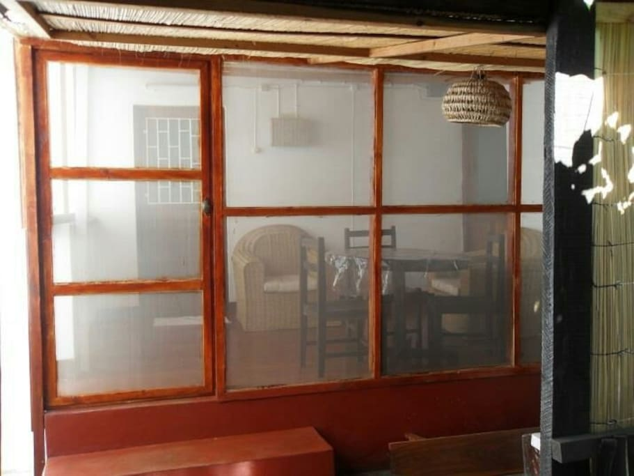 Large dining veranda closed by mosquito net and cleaning service!!!!