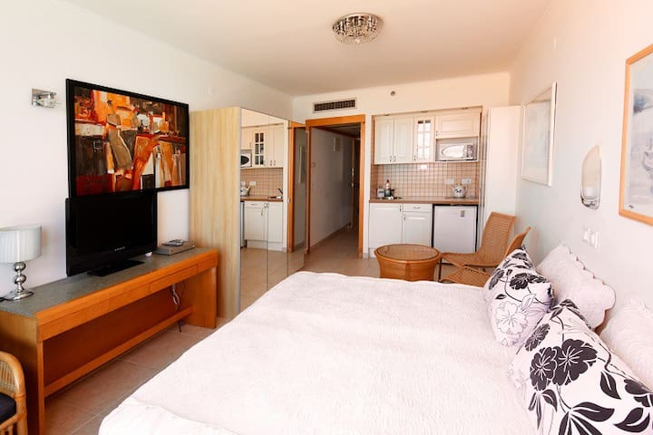 Excellent housing for small money - Netanya