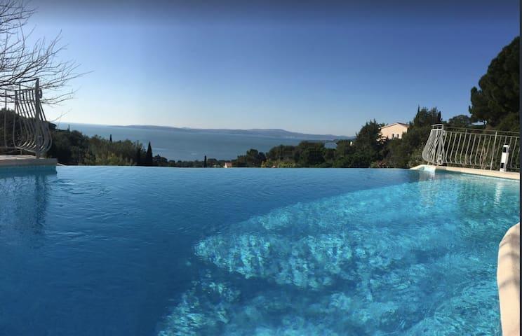 Exceptional Villa- panoramic sea view of St Tropez