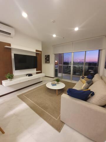 Living Room with Balcony / Sala con Balcón