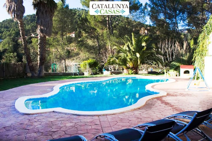 Pleasant family villa in Matadepera, located right outside of Barcelona! - Barcelona Region - 別荘