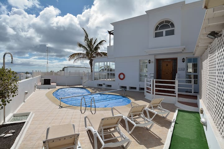 Villa Habana Puerto de Carmen Private Pool wifi!