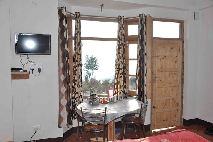 Comfy Rooms&Himachali Dishes With Panoramic Views - Cheog - Hus