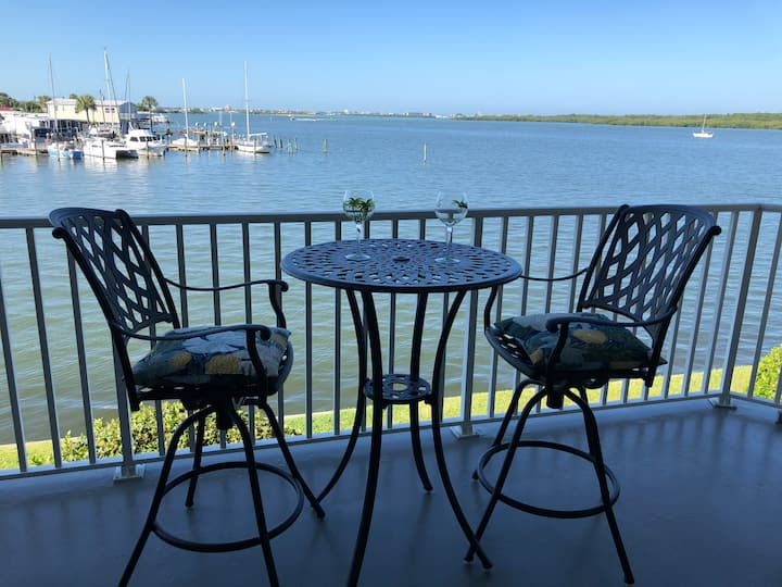Peaceful Waterfront Condo!