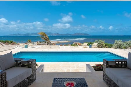 Gorgeous Private Beach Villa For 10 Guests