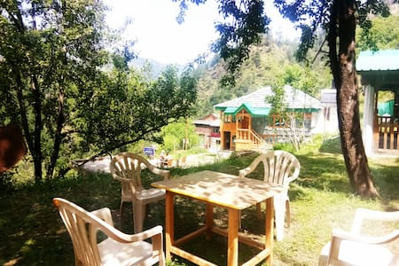 ☮Amazing 3BR Wood Cottage|scenic|best food jibhi