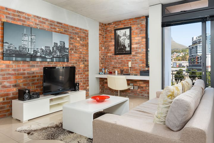 Modern De Waterkant Apartment | Views| Wifi