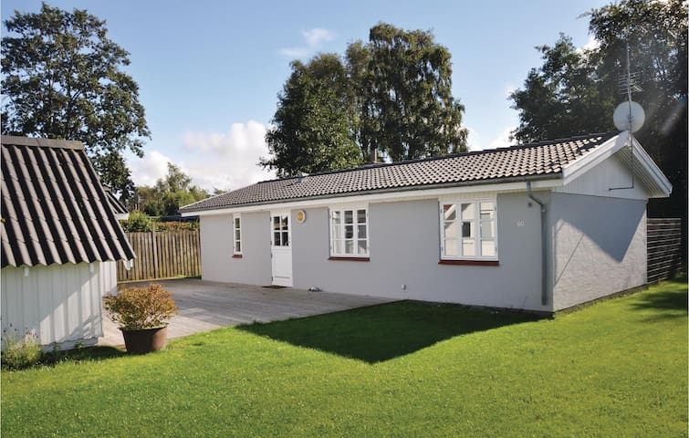 Holiday cottage with 2 bedrooms on 70m² in Otterup