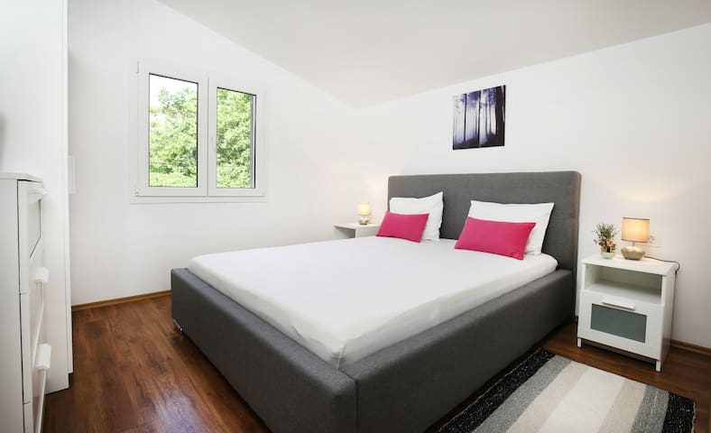 Sleeping area - Bedroom 1 with bed size 160 * 200