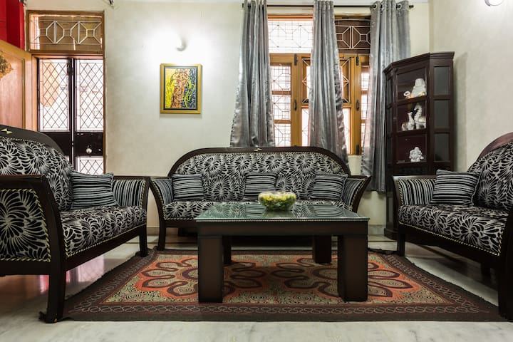 Cozy Bedroom  in Malviya Nagar 1