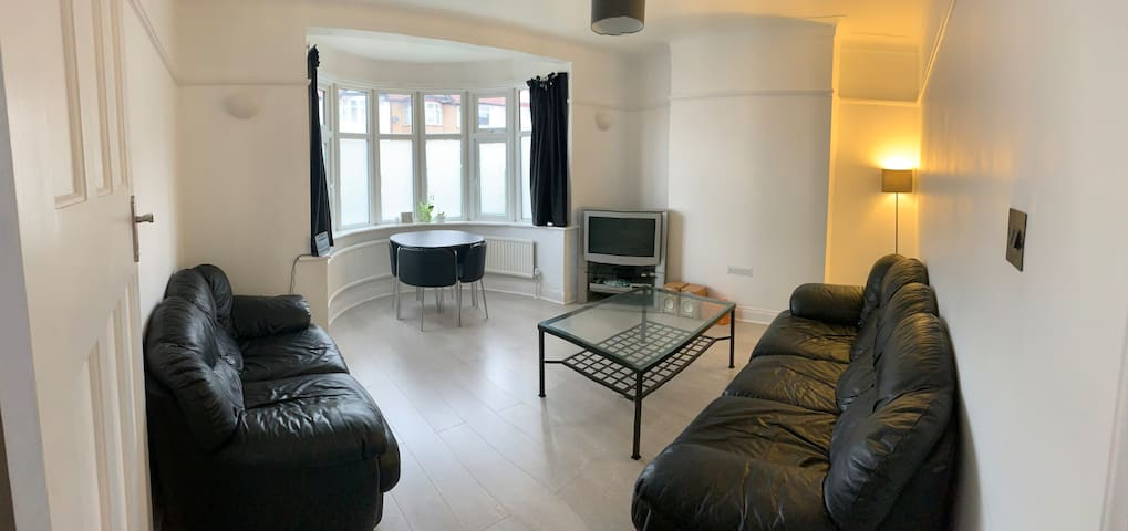 Single room in newly refurbished house