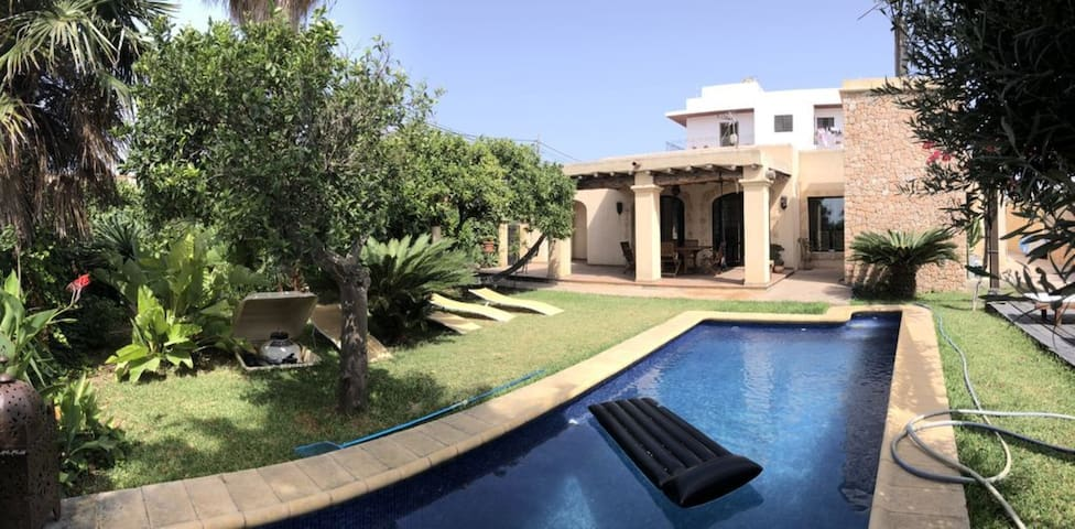Spacious Villa Talamanca in Quiet Location with Mountain View, Wi-Fi, Pool, Garden & Terrace; Parking Available