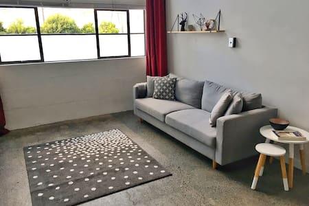 Modern Loft Apartment in Mount Eden - Auckland