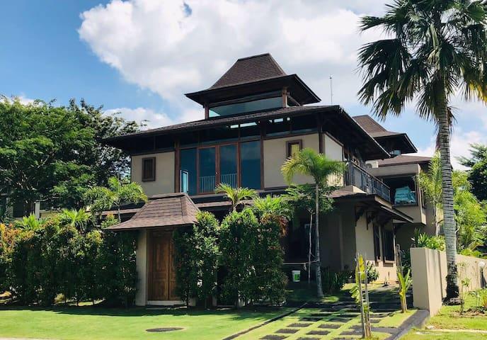 Grand Serene Balinese Villa for 10 pax - Cyberjaya