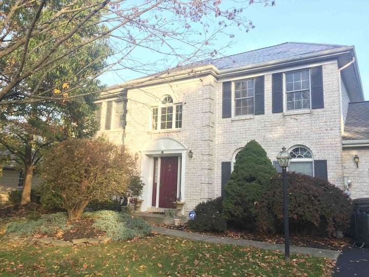 Warm, cozy North Bethlehem home by emty nesters!